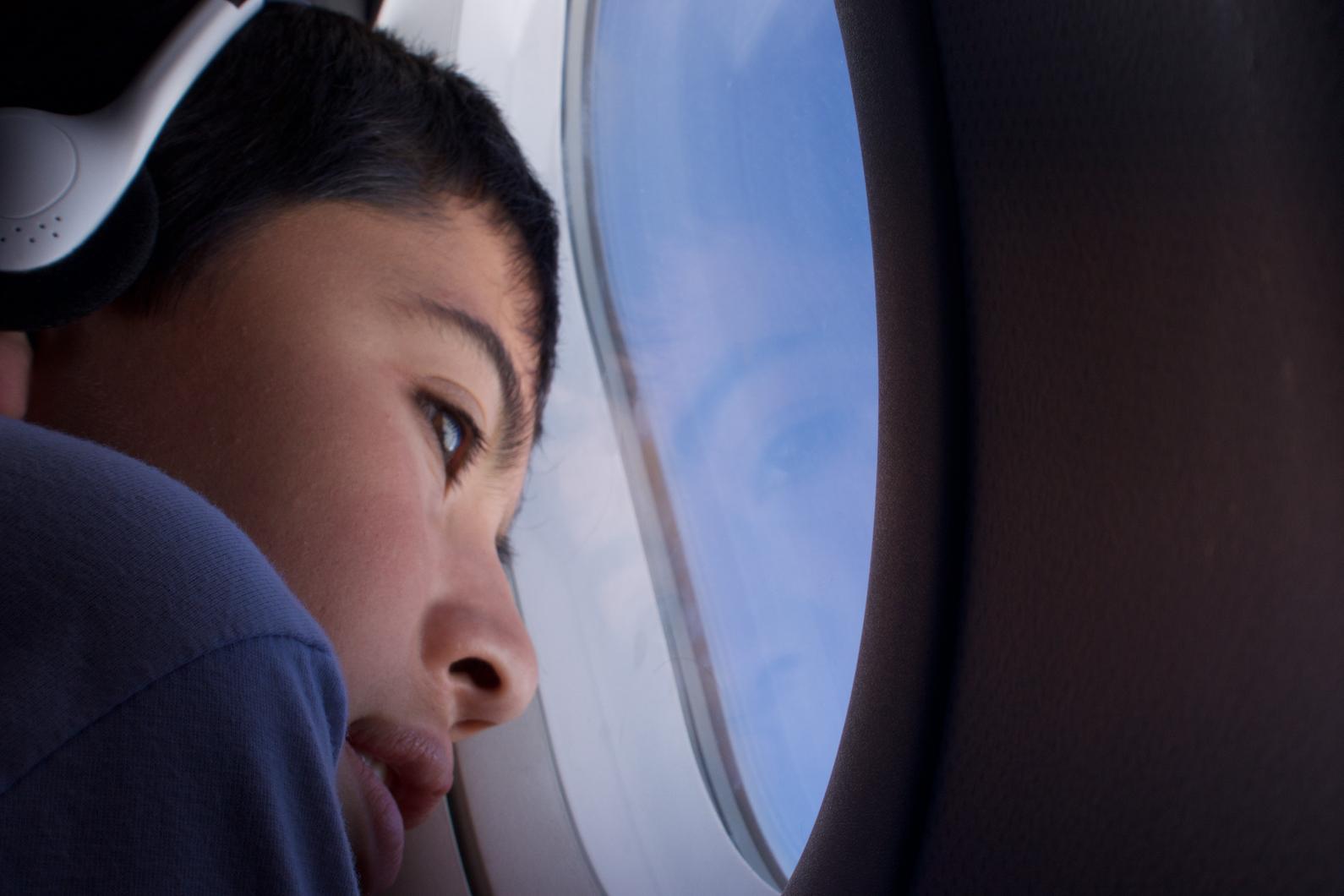 Südamerikanischer Blick aus dem Flugzeugfenster
